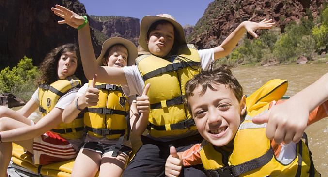 Family rafting in Dinosaur National Monument, Utah