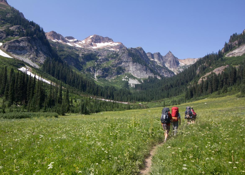 backpack glacier peak washington