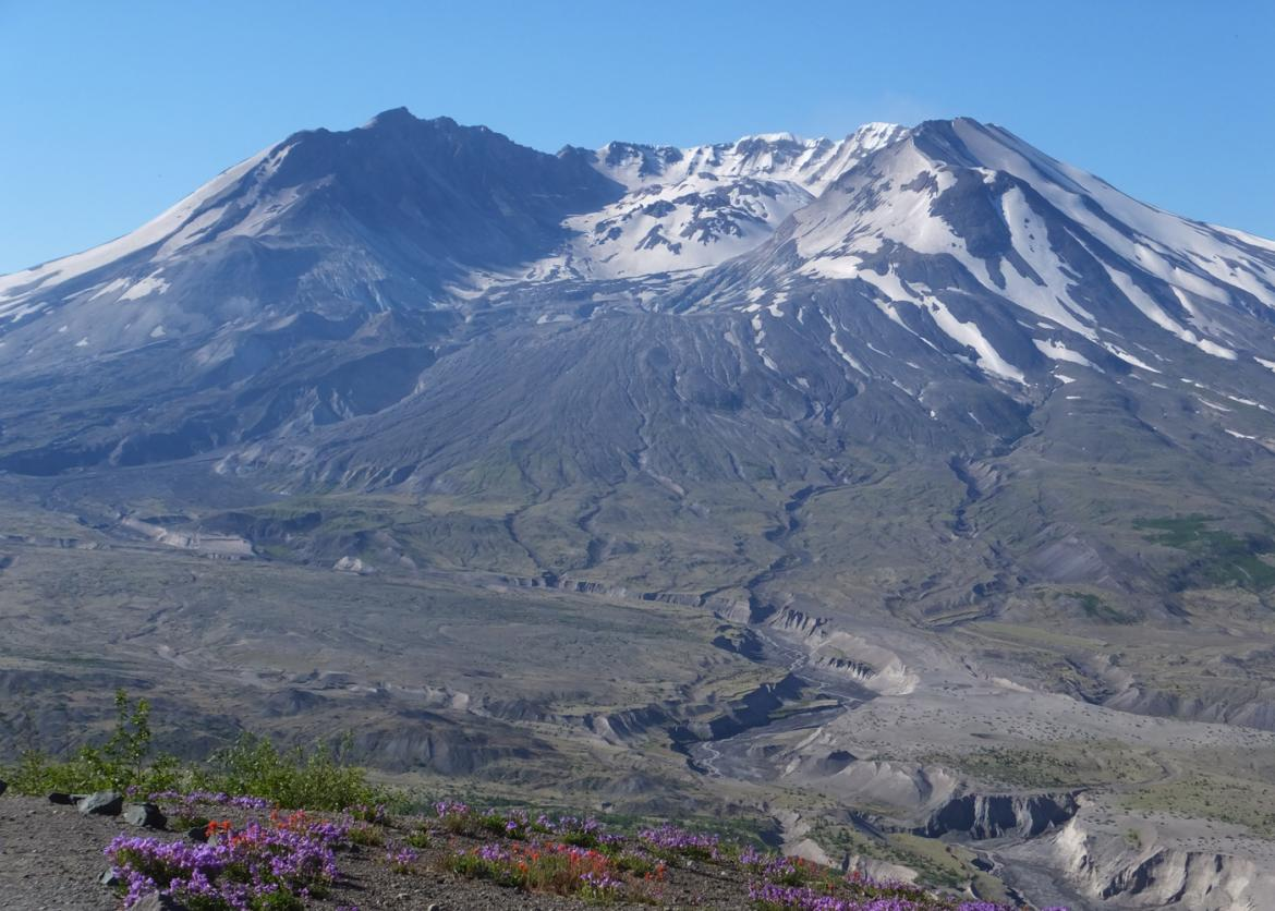 backpack mount st  helens washington